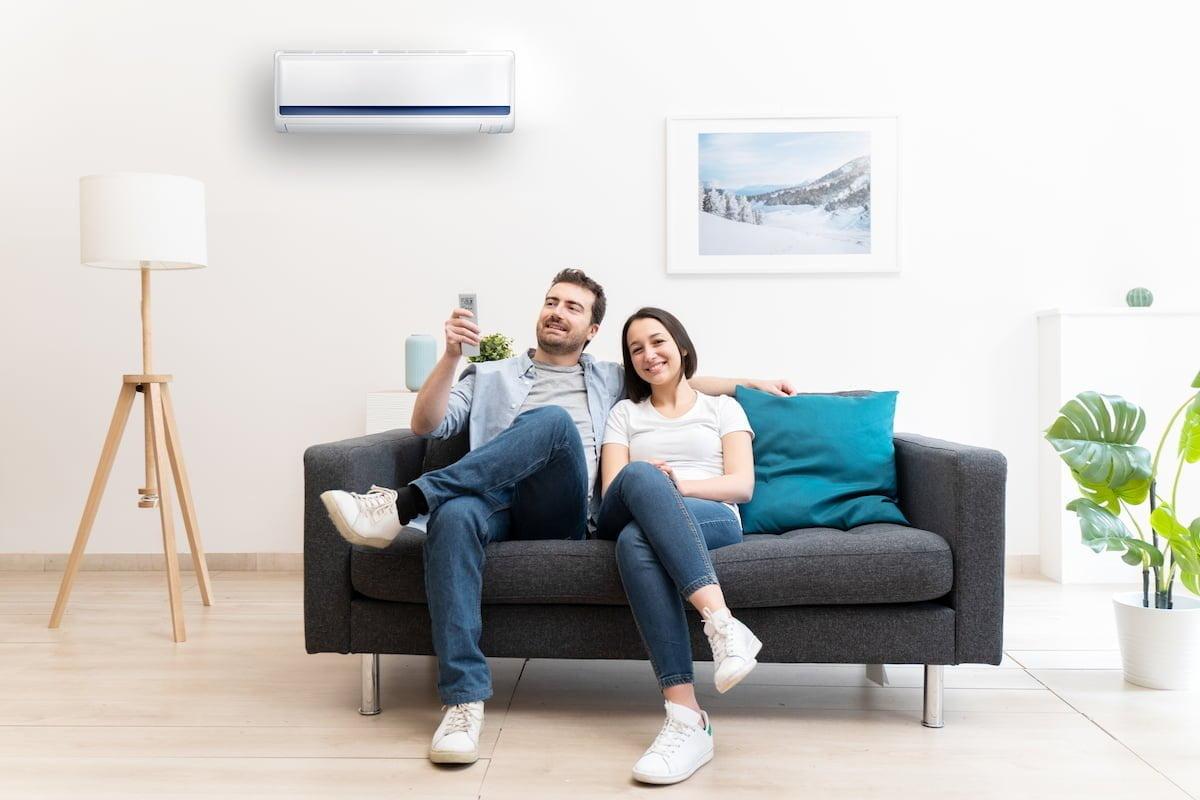 aire acondicionado con placas o paneles solares