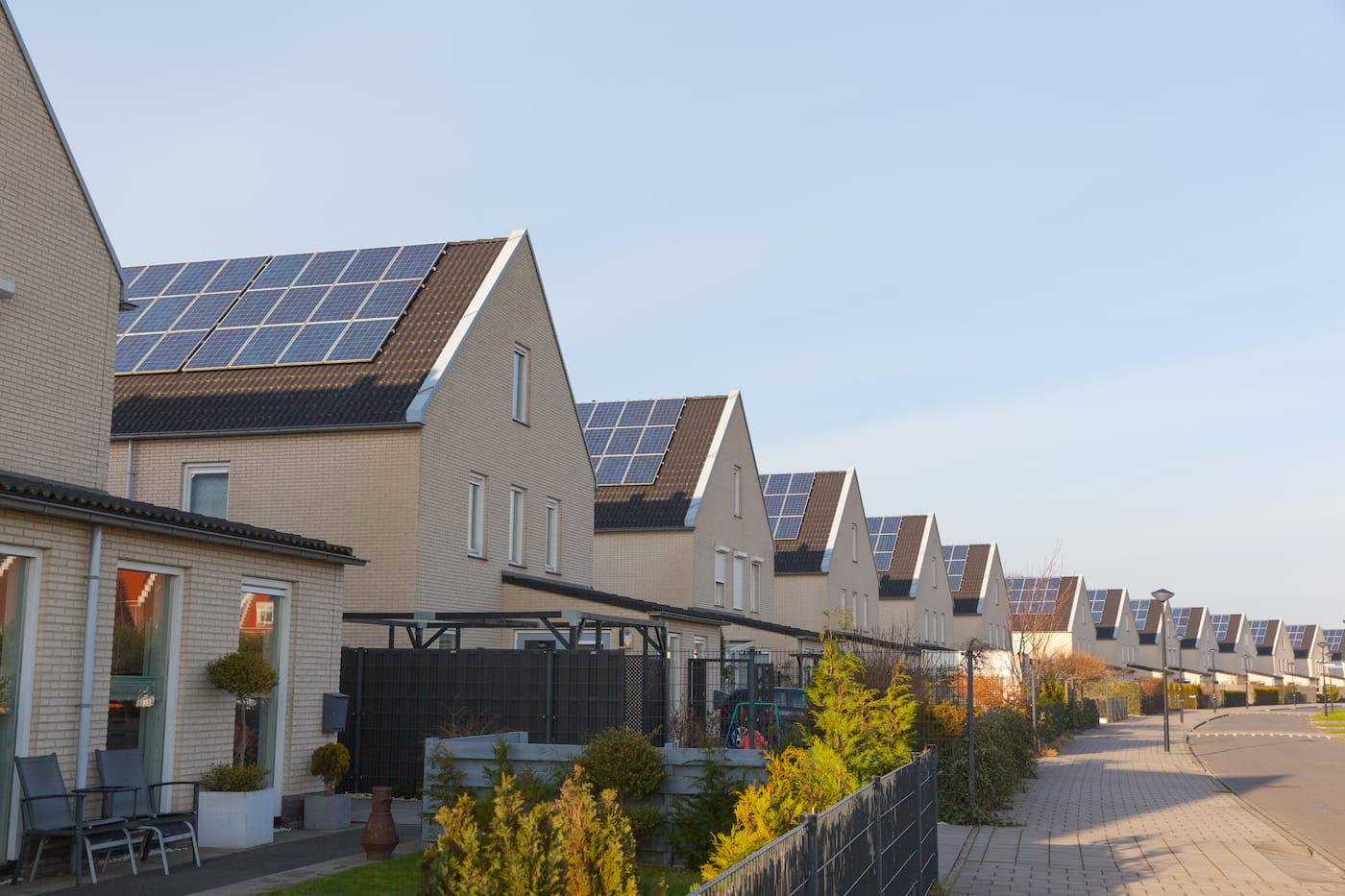 instalaciones fotovoltaicas en vivienda adosadas